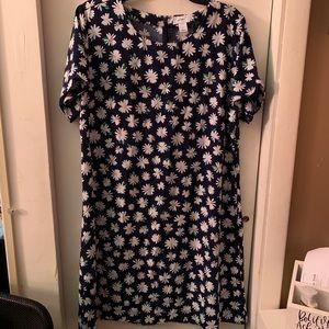 Daisy shift dress